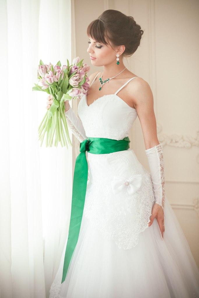 Svatební koláče v zeleni. Žluté svatební nápady a tipy e3750e5826